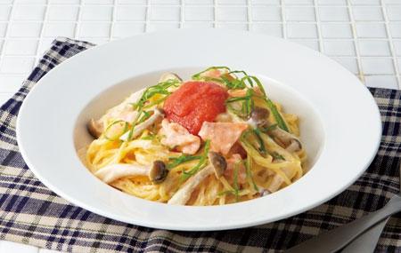 明太子鮭魚野菇奶油義大利麵
